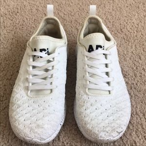 White APL 5.5 Running Shoes